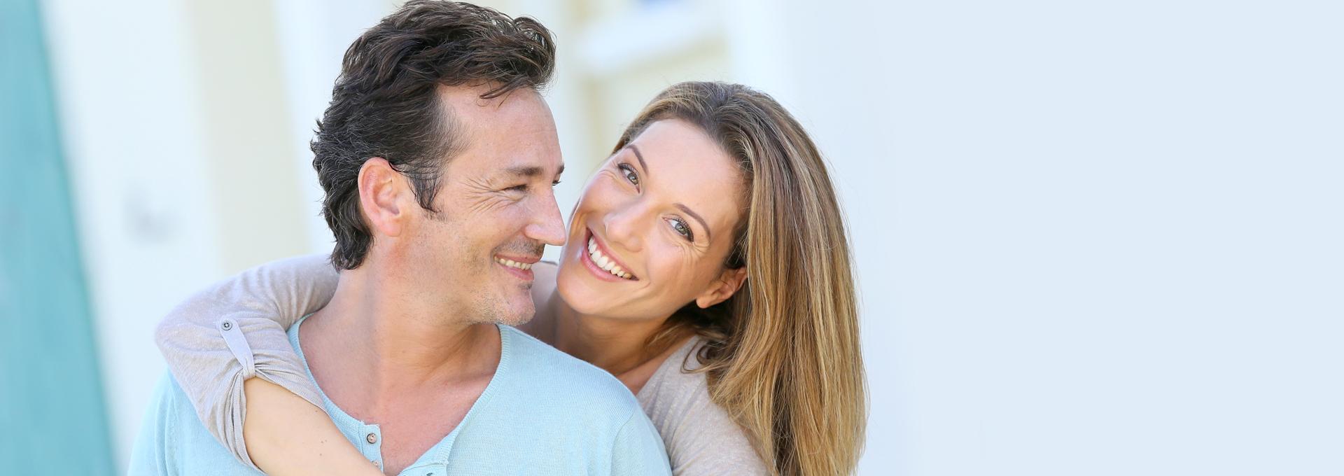 The Difference Between Dental Implants vs Veneers